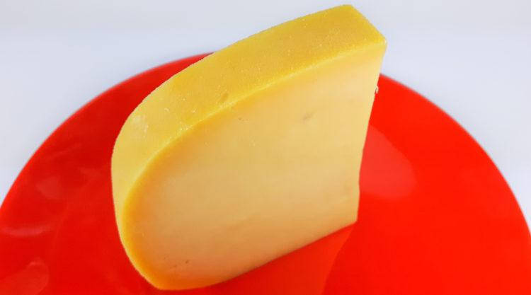 przepis na ser gouda z ziarnami goryczcy