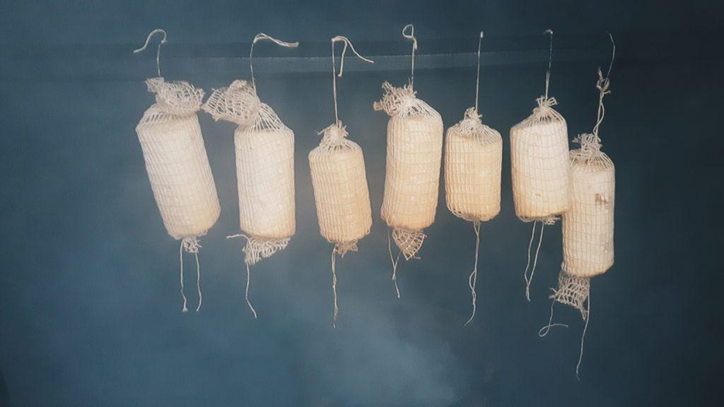 wędzenie sera w zimnym dymie