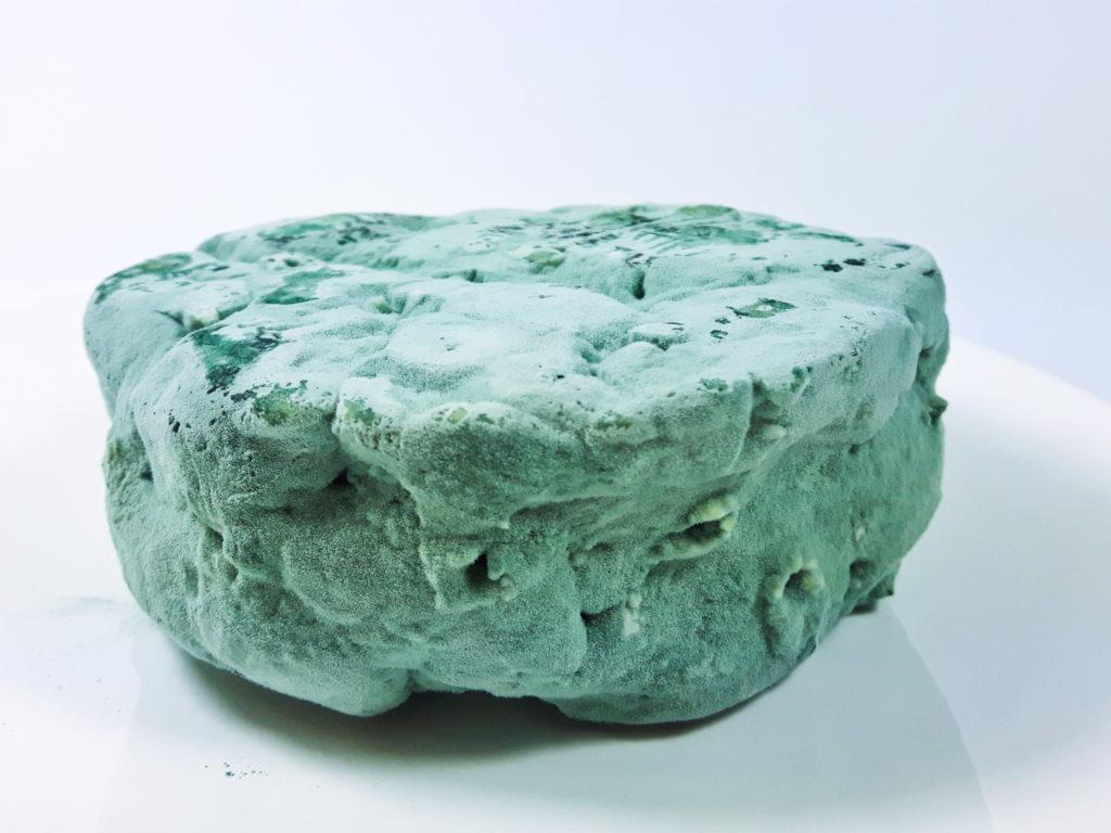przepis wegański blue roquefort ser z nerkowców  z niebieską pleśnią