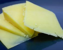 przepis na tradycyjny ser cheddar